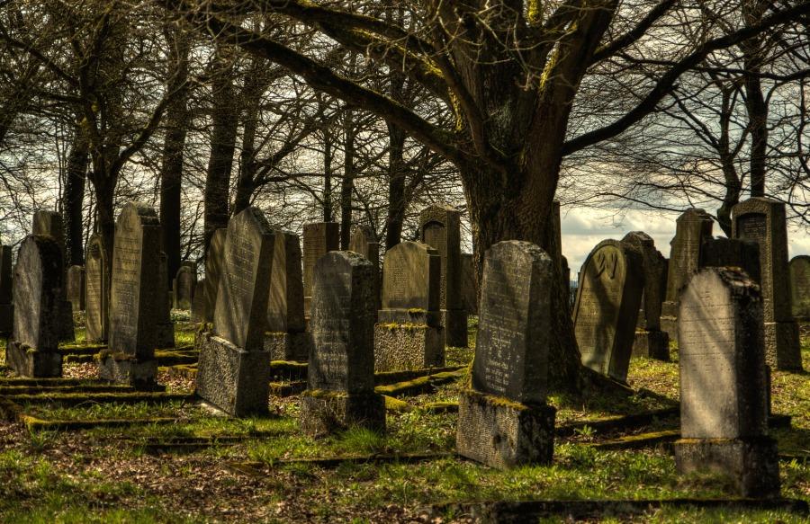 jewish-cemetery-1097409_1920